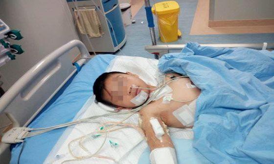 湖南一医务人员小孩被患者尾随 公交车上被连砍数刀